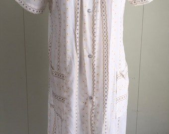 Vtg House Robe Dress Coat Snap Front Duster Cotton Blend White Yellow Gray Med