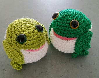 2 Pack - Crocheted Frogs