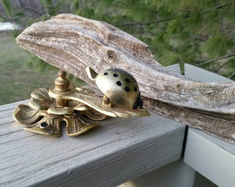 Allied Manufacturing Brass Lady Bug & Flower Clip Wall Mount