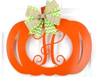 Monogram pumpkin door hanger - Pumpkin wreath - Halloween door hanger - Pumpkin monogram wreath - Pumpkin door wreath - Halloween wreath