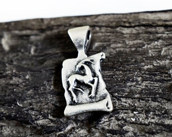Capricorn Zodiac Pendant, Zodiac Charm, Astrology Pendants Charms, Horoscope, Star Sign, 12x23mm, Antique Silver Tone
