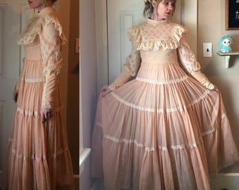 Vintage 70's GUNNE SaX PEACH LaCE RoMANTIC BoHo Tiered PRAiRiE Dress