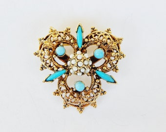 Decorative Trefoil Pin With Turquoise Blue Accents And Faux Pearls