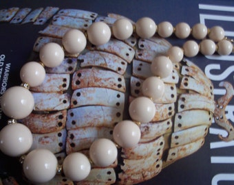 chunky vintage cream color statement necklace