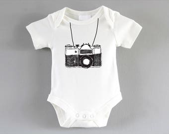 Camera Onesie ~ New baby unisex gift ~ pregnancy announcement party ~ baby shower gift ~ cool baby clothes ~ babygrow ~ bodysuit
