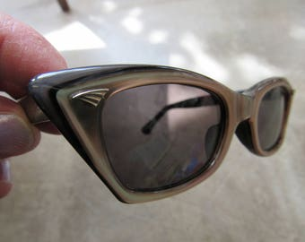 Vintage Brown and Black Plastic Cat Eye Sunglasses