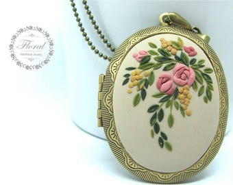 Pink Roses Necklace Rose Locket Necklace Memory Photo Locket Rose Pendant, 5th Anniversary Gift for Her, Wife Gift Christmas Gift