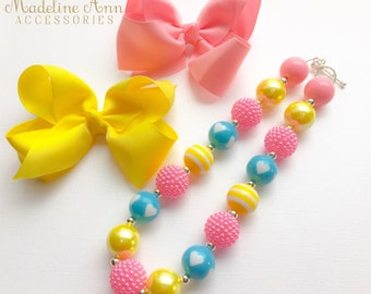 Candy Hearts Girls Necklace, Pink Blue Yellow Baby Necklace, Bubblegum Necklace, Toddler Necklace, Cake Smash, Rainbow Chunky Bead Necklace