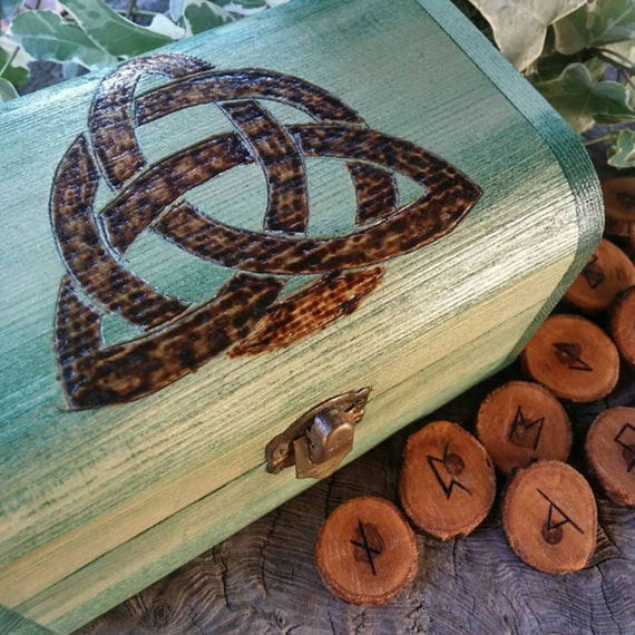 Celtic Runes Set - Viking Runes - Apple Runes - Wooden Runes - Elder Futhark Runes - Rune Set, Hessian Bag, Box