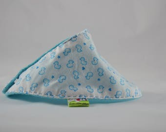 With soft TOWEL bib for baby ducklings blue white