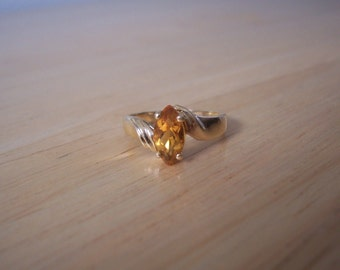 Vintage Natural Marquis Cut Citrine Ring in 10kt Yellow Gold