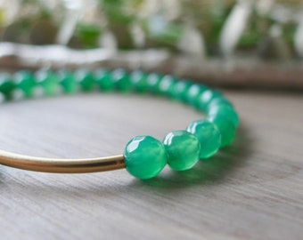 Green Bracelet, Green Agate, Green and Gold, Stretch Bracelet, Modern, Stone Bracelet, Modern Bracelet, Gemstone Bracelet, Agate Bracelet