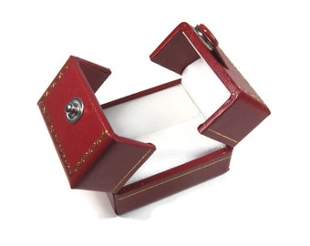 Vintage Style Red Snap Engagement Ring Box