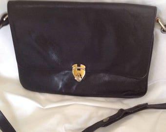 REDUCED! Vintage Effe Italy black leather flap shoulder cross body turn lock handbag purse