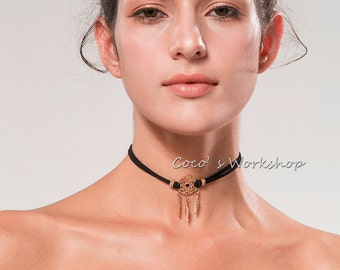 Dream catcher choker necklace available in two colors