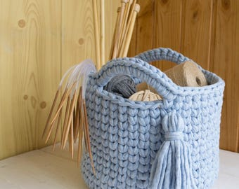Blue melange knitted basket