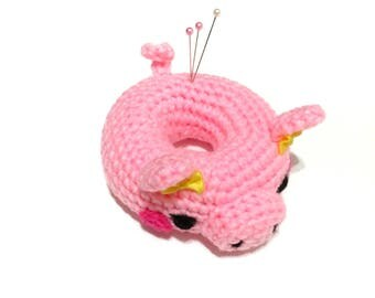 Amigurumi Piggy Doll Pin Cushion Crochet Piggy Plush Crochet Donut Pin Cushion Sewing Supplies Home Decor Kids Toy Mothers Day Gift for Her