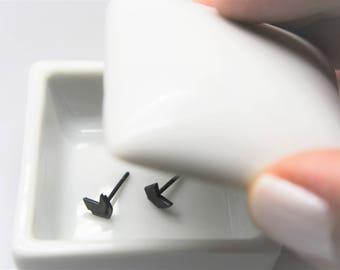 Chevron style I Small sterling silver stud earrings 5x5 mm, Oxidized silver 925 Geometric Chevron earrings, Art Decon silver stud earrings