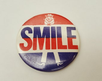 Vintage Smile Button Pin