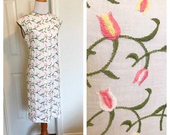 Vintage 60's Shift Dress. Vintage Linen Shift Dress. Vintage Embroidered Shift Dress. Vintage Wiggle Dress. Embroidered Floral Dress.