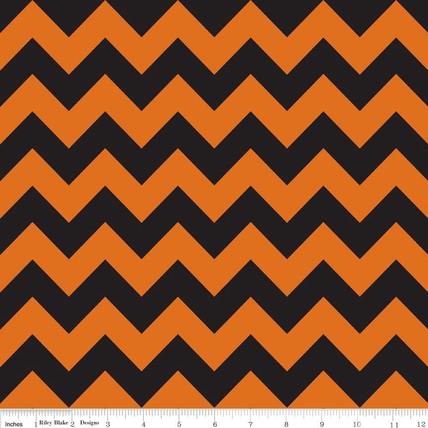 halloween chevron fabric orange black chevron riley blake c380 02 medium chevron halloween quilt fabric black and orange cotton - Black And Orange Halloween