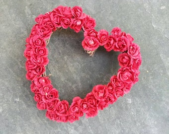 vintage 90s dozens of red silk roses heart shaped wreath on grapevine twig base / 9 inches x 9 inches