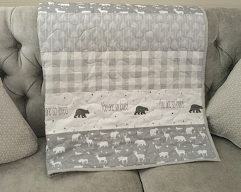 Baby bear quilt, neutral colors, gray-grey-white, bears, woodland, plaid