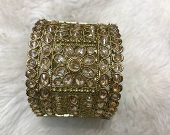 Bangles, gold bangles, silver bangles, indian bangles, pakistani bangles, indian jewelry, pakistani jewelry, indian wedding jewelry