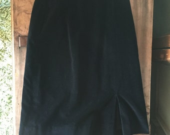 Vintage Black VELVET Mid Length A-Line Skirt with Pockets | W 28