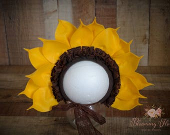 Sunflower bonnet , baby bonnet , Sunflower baby  Hat,  Photo Prop, Flower  bonnet, Yellow Fall Flower Bonnet