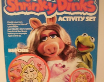 Great Vintage Miss Piggy and Kermit The Frog Shrinky Dinks Activity Set by Colorforms 1981 - Unopened #2109