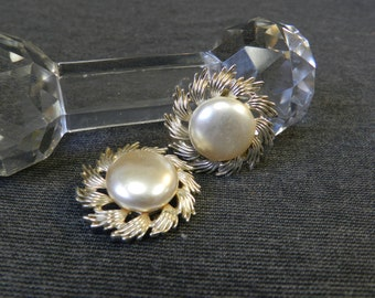 Vintage Coro Large Gold Tone and Faux Pearl Clip Earrings - Goldtone, Sunburst