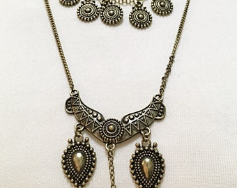 Bronze Two Strands Tribal Style Necklace.