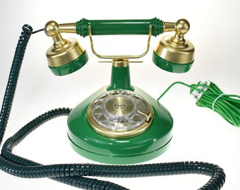 Vintage Old Fashioned Green Phone with Rotary Dial Classic French Style