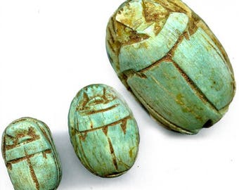 Faience ancient scarab bead replica. Exceptional detail. 19x13mm. Pkg. of 1. b2-439-2(e)