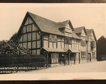 Vintage postcard: Shakespeare's Birthplace in Stratford-on-Avon! Beautiful item!