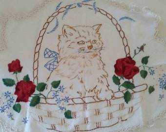 Beautiful vintage cat in floral  basket hand embroidered   needlework linen doiley