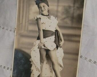 Vintage Photography.Vintage disguise.Vintage girl.Black and White.Dance.1950s.Gift.To frame.Ephemera.Vintage paper.Uruguay.Foto Silva.