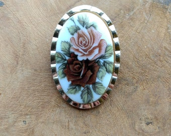 SALE - Vintage Rose Scarfclip - Victorian Style - Flowers - Costume Jewelry - Oval Clip