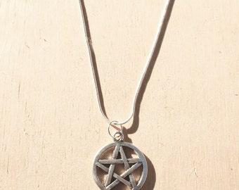 Pentagram Charm Short Necklace
