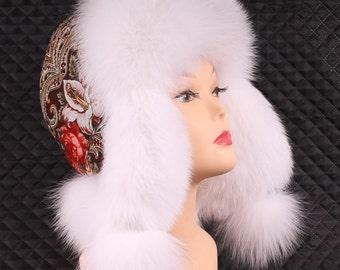Women's hat from fur fox white