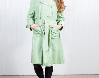 Vintage apple green trenchcoat / 70s summer coat / Green ladies coat / Seventies coat / Summer vintage coat / Vintage rain coat / Size M