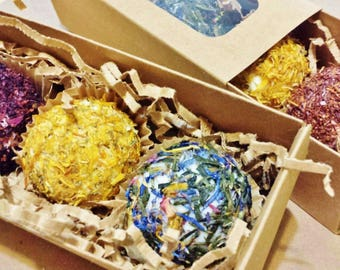 BATH BOMBS SET of 3  - All Natural, Florals and Fragrant Herbs with Aromatherapy Essential Oils, Gift Box