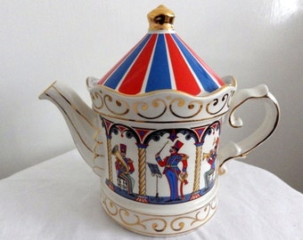 Bandstand Teapot from the Edwardian Entertainments Collection by Sadler No 4401