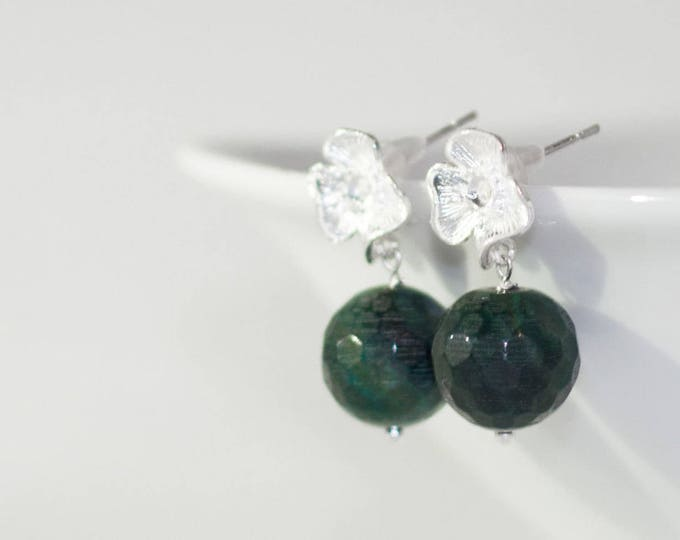 Green agate earrings, Green stud earrings, Green earrings, Green studs, Dark green earrings, Agate stud earrings, Earrings green