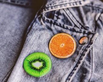 Kiwi pin , Fruit pin , Kiwi lover gift , Kiwi jewelry , Fruit lover gift , Kiwi accessories , Kiwi brooch , Fruit brooch , Summer pin