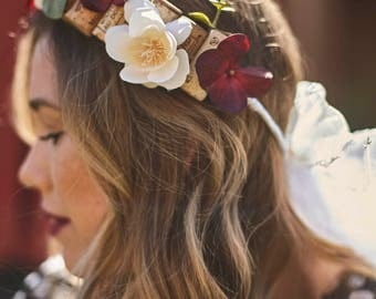 Red & cream Bachelorette flower wine cork crown // Bachelorette veil // Bachelorette crown