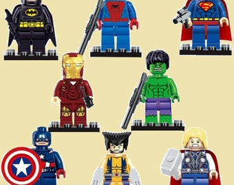 Marvel/DC Superhero figures - 8 characters available (inc. accessories) - Discount for full set