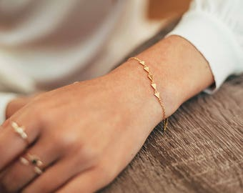 Triangle bracelet - dainty bracelet - gold bracelet - minimal jewelry