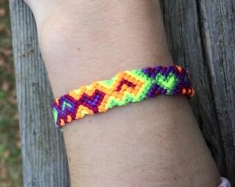 Psychedelic RainbowHeart-Pattern Friendship Bracelet